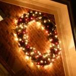 holiday-lighting-wreath