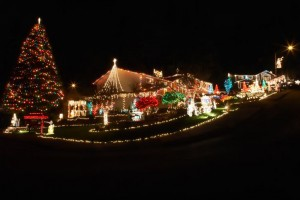 custom holiday lights by professional lighting contractor