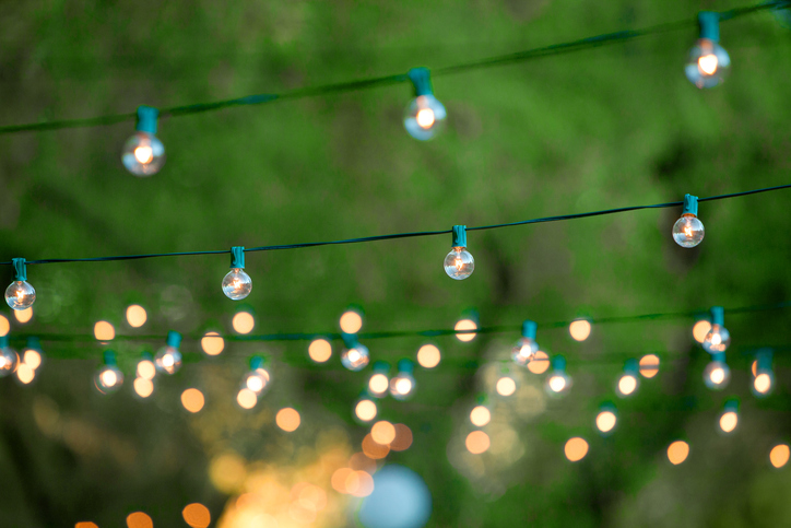 Get Your Home And Yard Ready For 2018 With These Outdoor Lighting Trends!